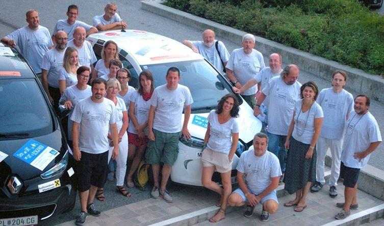 Elektromboil Gruppenfoto FahrerInnenbesprechung