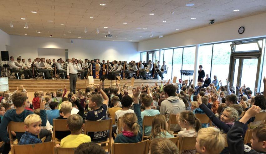 Militärmusik In Der Aula